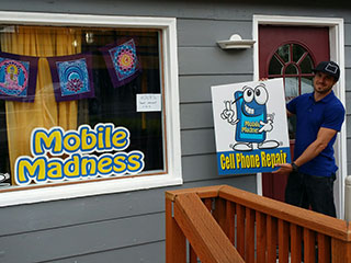Yay! Mobile Madness Opens a Store in Ashland